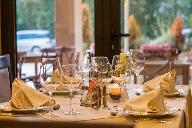 Росстат: ресторанный рынок РФ в июне вырос на 73,6%