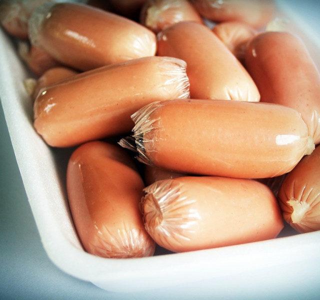В России подорожали сосиски и творог, подешевели яйца